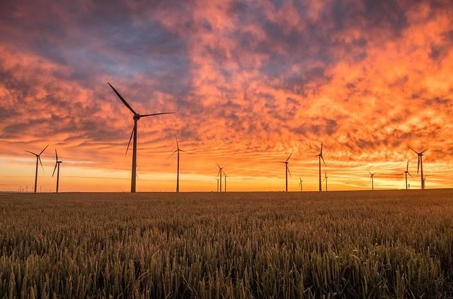 wind farm kebun angin atau ladang angin pembangkit listrik tenaga bayu