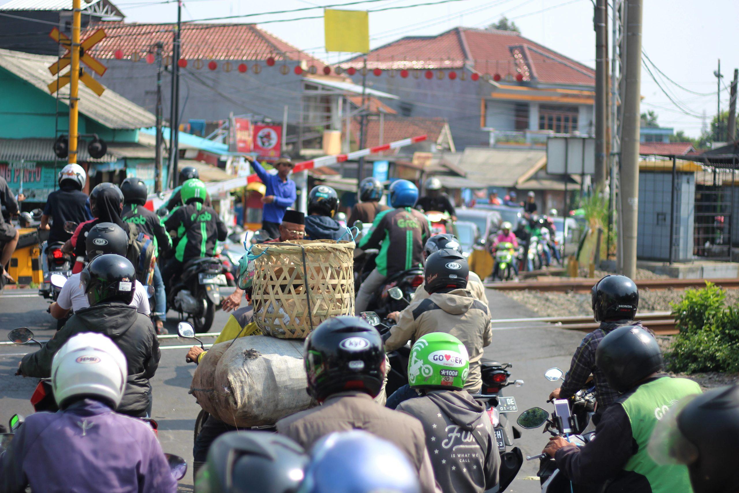 Mengapa Sepeda Motor Disukai Masyarakat Indonesia 2