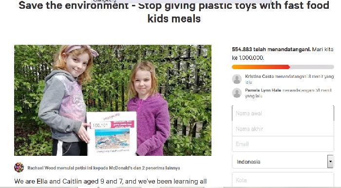 dua gadis cilik Minta MacDonald's Stop Beri Mainan Plastik